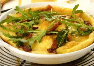 Omelette con fontina e pancetta